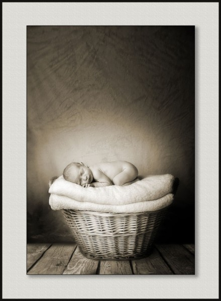 Baby photography glasgow baby_in_basket_swpp_gold_award