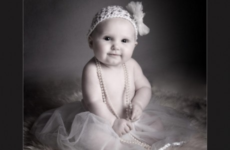 Baby photography glasgow baby girl with hat SWPP baby photographer of the year 2012