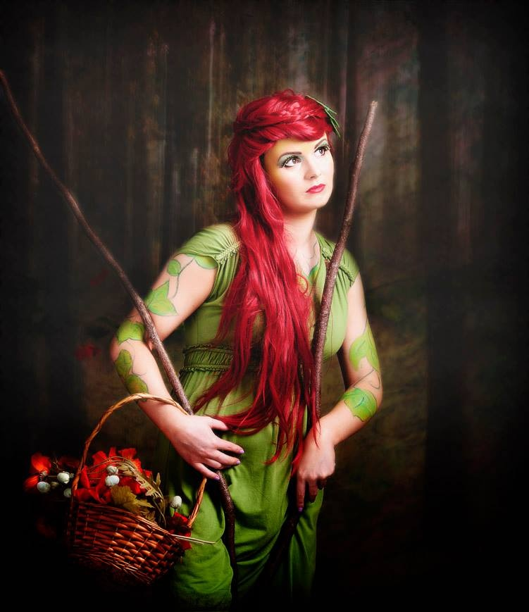 Photographers Glasgow Fantasy style makeup. Girl dressed as poison ivy in green dress and red wig